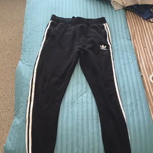 3 stripes adidas sweatpants